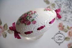 Egg Crafts, Easter Crafts, Types Of Eggs, Carved Eggs, Egg Tree, Egg Designs, Faberge Eggs, Egg Decorating, Vintage Easter