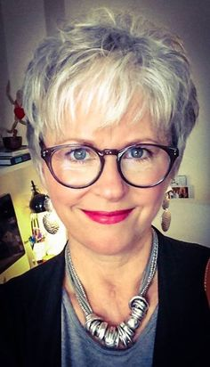 Short Haircuts for Women over 50 with Fine Hair Hair Styles For Women Over 50, Short Hair Cuts For Women, Short Shag Hairstyles, Short Hairstyles For Women, Short Haircuts, Short Grey Hair, Short Blonde, Corte Y Color, Tips Belleza