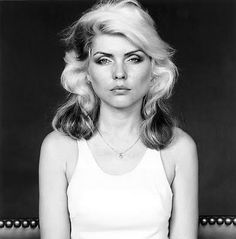 via: http://artisnotdead.blogspot.com/2011/08/debbie-harry-is-my-hero.html