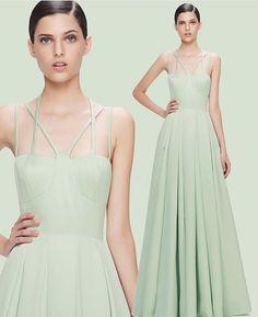 WEBSTA @ maisondegani.rp - Alfaiataria impecável de @fatimascofield verde pistache uma super tendência do nosso #verão2017 #MaisonD #vestidos #vestidosdefesta #alfaiataria #tendência #moda #altacostura #madrinhas #formatura #casamento #15anos #lançamentos