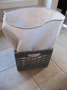 Sewing Fabric Storage How to sew a box cover with fabric - wow, never thought of that for the plastic book crates I want to replace with wood eventually - this would be a nice temporary improvement. Fabric Crafts, Sewing Crafts, Sewing Projects, My Sewing Room, Sewing Rooms, Sewing Hacks, Sewing Tutorials, Bag Tutorials, Plastic Crates