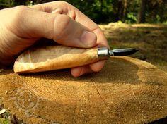 Резьба по дереву нож небольшой. Нож для левши.