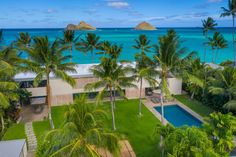 Modern oceanfront Hawaii home named The Wall Street Journal's 'House of the Year' - Pacific Business News Polished Concrete Flooring, Lawn Sprinklers, Hawaii Homes, Fee Simple, Wall Street Journal, House And Home Magazine, Real Estate Investing, Maine House, Luxury Real Estate