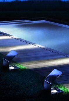 Piscina di notte #design   Quadrat di Sidesign