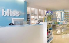 Bliss® Spa at W Los Angeles - Westwood Achieve a higher state of happy with 'spa'- tacular treatments that transform you inside and out Spa Store, Bliss Spa, Oxygen Facial, Reception Desk Design, Treatment Rooms, Florida Living, I Feel Pretty, Salon Design, Skin So Soft