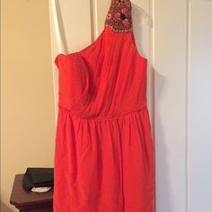 Shoshanna NWT 100% silk one shoulder dress Great, Classic Shoshanna dress! I ordered it online, and I've never worn it bc it didn't hit my body correctly. Great bold color for spring with cute shoulder detail. Falls above the knee. Shoshanna Dresses One Shoulder