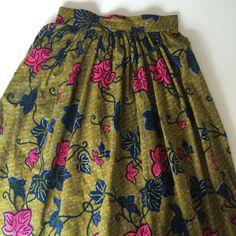 1er tuto sur le blog. Depuis quelques temps j'adore les jupes midi. J'avais toujours eu du mal avec les jupes froncée, je les trouvais jolie sur les autres mais sur moi j'avais l'impression d'être …