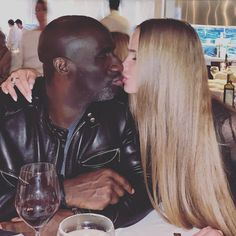 All's well with the world, white girls are happy at last Black Guy White Girl, Black And White Couples, Hot Black Guys, Black And White Love, Black And Blonde, White Girls, White Women, Interracial Tumblr, Interracial Wedding
