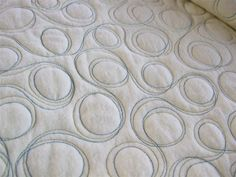Crafty Sewing & Quilting: Getting Up Close with My Quilting - Double Bubble Quilting