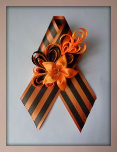 Kanzashi Flowers, Diy And Crafts, Centerpieces, Ribbon, Bows, Ornaments, Cool Stuff, Handmade, Hand Crafts
