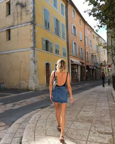 Le Luberon ☀️ #holidays Style Année 80, Bella Roma, Blue Denim Skirt, Denim Skirts, Vacation Wardrobe, Jean Mini Skirts, Italian Summer, Street Style Summer, Casual