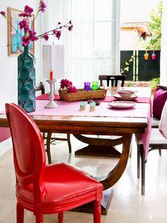 Viste tu #mesa con los textiles más chic #comedor #silla #mesa
