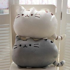 Meow! Say hello to the most widely known Nyan cat, the Pusheen! Now you can sleep on him, cuddle him to bed, and show him off as an awesome home decor. You can use this item as a pouch or use felt stu