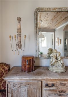 BIRMINGHAM HOMES•BIRMINGHAM LIVING•FRENCH ANTIQUES•MODERN FARMHOUSE•PECKY CYPRESS CEILING•HEATHER DURHAM PHOTOGRAPHY•HOME DESIGN• HOME DETAILS•HOME INSPIRATION•INTERIOR DESIGN•INTERIORS•INTERIORS PHOTOGRAPHY•SHEA BRYERS DESIGN•TWIN CONSTRUCTION