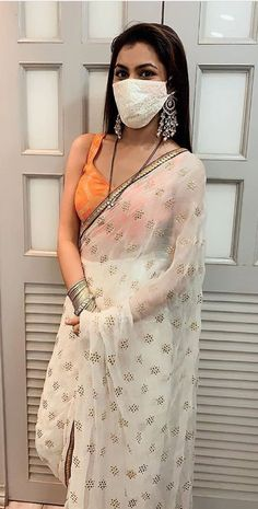 Boys Tracksuits, Sriti Jha, Kumkum Bhagya, Most Beautiful Indian Actress, Indian Actresses, Celebs, Pretty, Hand Bags, Sarees
