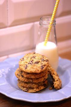 Cookies de Aveia com Passas e Pepitas de Chocolate