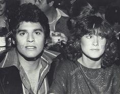 Erik Estrada y Kathy lautner.