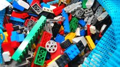 16 Awesome Lego Life Hacks That You Wish You'd Thought of.from cleaning Legos to building a candy dispenser. Cleaning Toys, Household Cleaning Tips, Homemade Cleaning Products, Cleaning Hacks, Cleaning Solutions, Storage Solutions, Lego Hacks, Washer Machine, Lego Storage