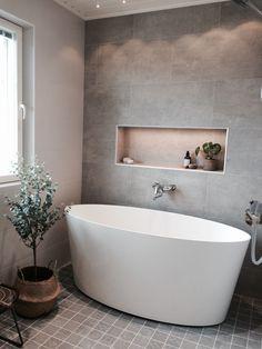 Benjamin moore nantucket grey gray and green bathroom ideas new blue Small Bathroom Redo, Bathroom Mirror Design, Modern Bathroom Tile, Tiny House Bathroom, Guest Bathrooms, Yellow Bathrooms, Bathroom Interior Design, Master Bathroom, Bathroom Ideas