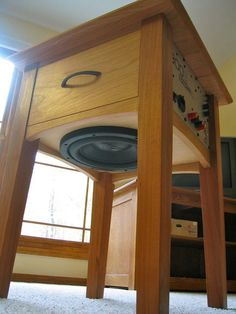 speaker furniture - for those who like to mix woodworking and electronics :) Surround Sound Speakers, Furniture Design, Cool Furniture, Shaker Furniture, Diy Speakers, Homemade Speakers, Speaker Design, Diy Electronics, End Tables