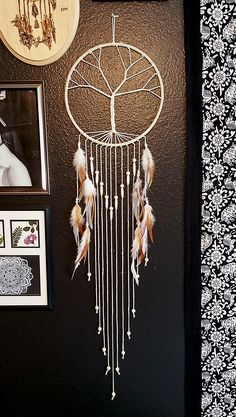 Acupressure Diy I NEED THIS! Tree of life dream catcher. two of my favorite things in one! Grand Dream Catcher, Dream Catchers For Sale, Large Dream Catcher, Homemade Dream Catchers, Dream Catcher Mobile, Fun Crafts, Diy And Crafts, Arts And Crafts, Los Dreamcatchers