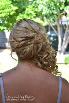 Prom Party Bridesmaid hair side curls