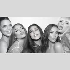 Kardashian Jenner, Kourtney Kardashian, Kendall Jenner, Kylie Jenner Friends, Reality Shows, Jenner Family, Bff Goals, Jenner Style, Im In Love