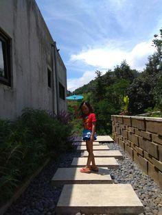 garden concrete path