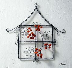 Wire window frame with winter berries Wire Hanger Crafts, Wire Hangers, Wire Crafts, Metal Crafts, Diy And Crafts, Barbed Wire Art, Heart Wall Art, Wire Weaving, Beads And Wire