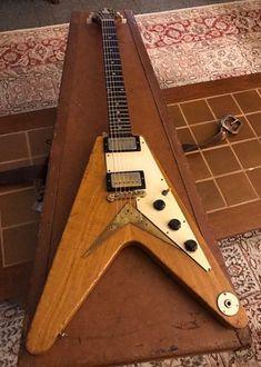 Gibson Electric Guitar, Gibson Guitars, Electric Guitars, Gibson Flying V, Guitar Photos, Vintage Guitars, Cool Guitar, Les Paul, Acoustic Guitar