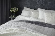 Lennol | BLACKBIRD Duvet Cover Set & MELANIE Double sided bed spread, Dark grey and light grey