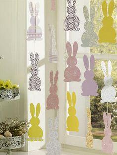 Fensterdeko zu Ostern</b> <b>selber machen: Hasenparade