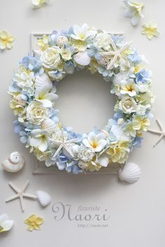 Coastal Wreath, Seashell Wreath, Floral Wreath, Dried Flowers, Paper Flowers, How To Preserve Flowers, Arte Floral, Summer Wreath, How To Make Wreaths