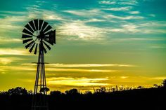 Windpomp Country Life, Country Style, Country Roads, Old Windmills, Wind Mills, Thing 1, Down On The Farm, Old Barns, Great Memories