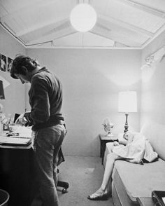 Roman Polanski & Mia Farrow on the set of Rosemary's baby. Photo by Bob Willoughby Rosemary's Baby, T Movie, Heavy Water, Mia Farrow, Hollywood Boulevard, Film Images, Roman Polanski, Film Inspiration, Sharon Tate