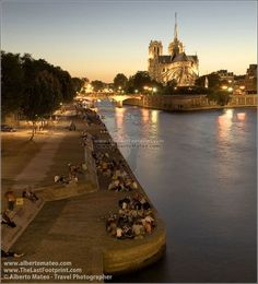 River Seine next to Notre Dame Cathedral, Paris.