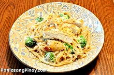 Craving for a rich and tasty pasta dish? This Chicken Pasta Alfredo recipe is worth a try. The sauce is so rich and tasty and it also has ample amounts of protein from the chicken and nutrients from the broccoli.    Most of us are busy these days, but we and our family deserve a nice tasting home cooked meal. Consuming frozen foods are ok sometimes