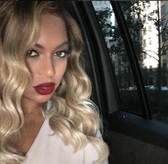 L'astuce de #Beyoncé pour un #selfie parfait ! - Livealike