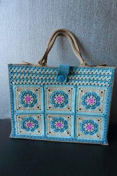52 Ideas Crochet Granny Square Purse Totes Handbags For 2019 Crochet Tote, Crochet Handbags, Crochet Purses, Crochet Granny, Crochet Baby, Knit Crochet, Granny Square Bag, Knitted Bags, Crochet Accessories