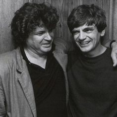 Lovely to spend an evening with the music of The Everley Brothers on BBC4 documentary. Wonderful voices and beautiful harmonies - February 2014