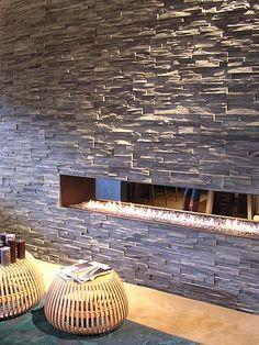 Leistenen muur strips