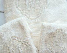 Juegos de toallas con monograma, toallas personalizadas, despedida de soltera, regalo de boda, inauguración, aniversario, recién casados, su y la suya, recién casados
