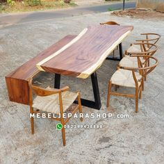 jual meja makan kayu trembesi utuh Outdoor Tables, Outdoor Decor, Wood Table, Outdoor Furniture, Home Decor, Decoration Home, Timber Table, Room Decor, Wood Desk