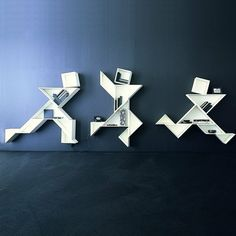 Au-delà du mobilier ! Etagères Tangram de LAGO
