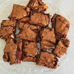 Isteni gluténmentes Brownie – Cake by fari Sin Gluten, Cake Recipes, Dessert Recipes, Brownie Cake, Healthy Cookies, Paleo Dessert, Sweet Desserts, Creative Cakes, Sweet Tooth