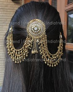 Indian Bridal Jewelry Sets, Indian Jewelry Earrings, Head Jewelry, Jewelry Design Earrings, Wedding Jewelry Sets, Bridal Hair Accessories, Girls Jewelry, Bridal Jewellery, Bridal Earrings
