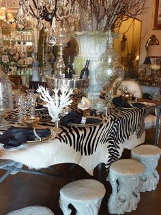 Love the zebra print | Tablescapes, Place Settings and Centerpieces ...