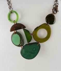 green adjustable necklace