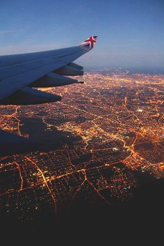 New ideas for travel plane photography city lights Airplane Window, Airplane View, Voyager C'est Vivre, Plane Photography, Night Photography, London Night, London City, Travel Aesthetic, Adventure Is Out There