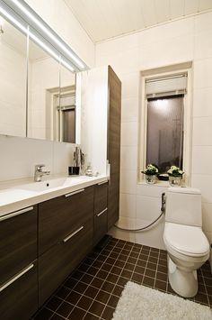 Ovet: Bella tumma rigoletto. Double Vanity, Mirror, Bathroom, Furniture, Home Decor, Washroom, Decoration Home, Room Decor, Mirrors